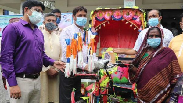 Layla promises not to beg anymore after getting a rickshaw